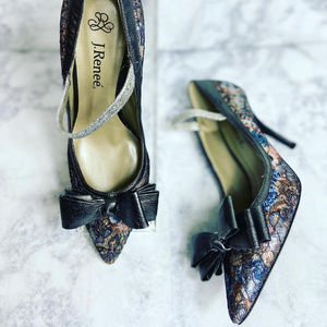 J. Renee' Lace Pumps 6M